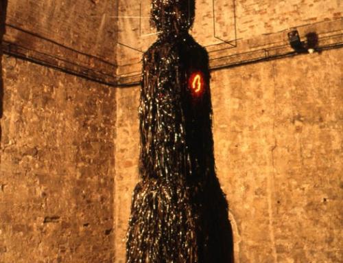1993, Ouverture