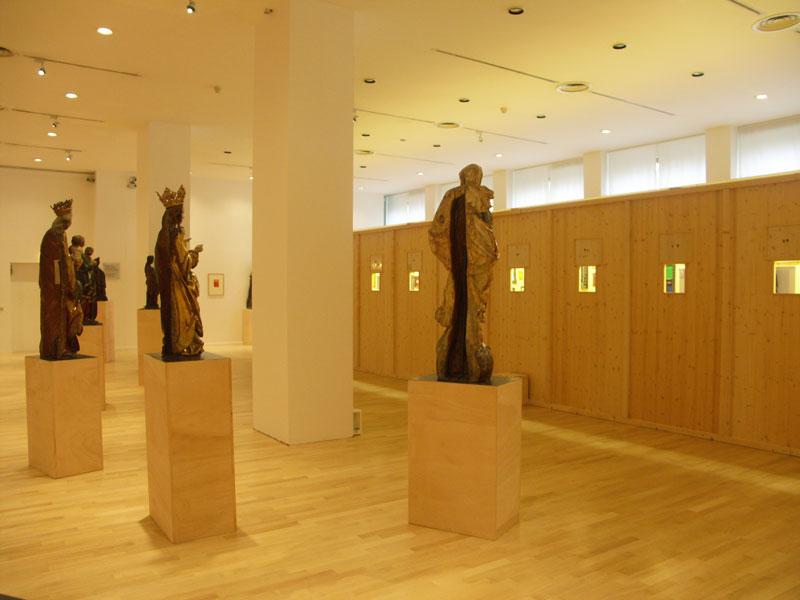 Sarkis_2004-Dusseldorf-Kunst-Palast