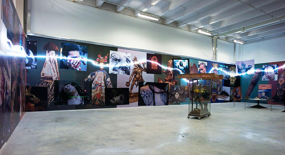 2012-La-frize-des-Tresors-de-Guerre-Triennale-Palais-de-Tokyo-Paris