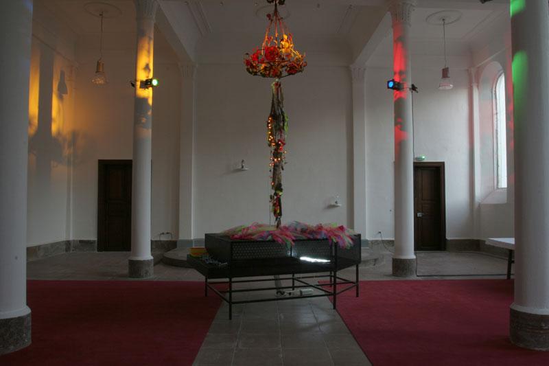 Au commencement le toucher : 2005, 8.11.05 – 9.2.2006. La Chapelle Saint Quirin, Sélestat.