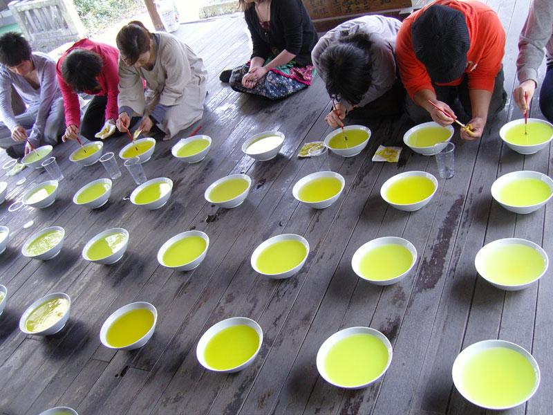 Sarkis_2009-Beppu-Temple-Japan-